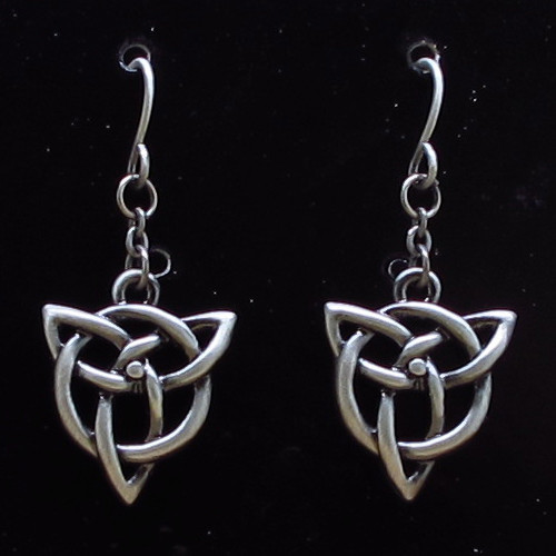 J356 CELTIC EARRINGS